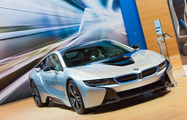US lawyer sues BMW over hybrid sports car