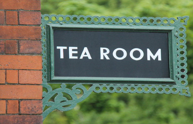 Tea room Bettys forces small café to change scone name