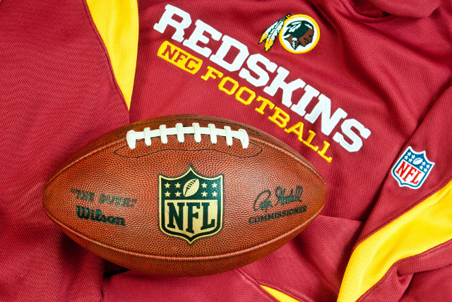 Washington Redskins offers helping trademark hand to The Slants