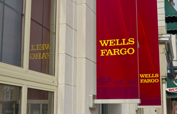 Wells Fargo sued over mobile banking systems