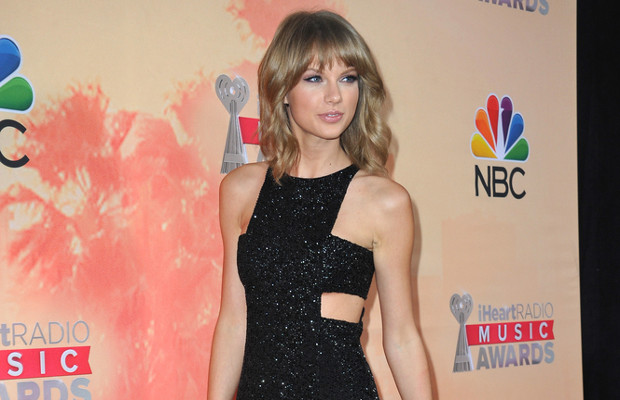 Merry Swiftmas? Taylor Swift files festive trademark application at the USPTO