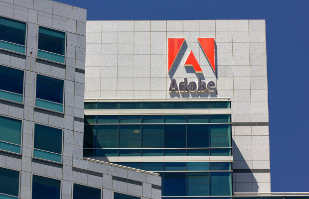 US man pleads guilty to selling $500,000 fake Adobe software