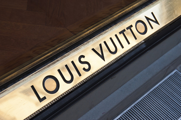Update: Louis Vuitton challenger protests against deadline extension request
