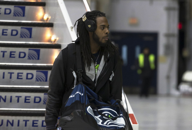 NFL removes Sony headphones from Seahawks player