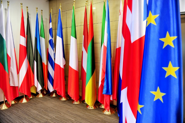 Member states must decide on re-sale royalty burden, says CJEU