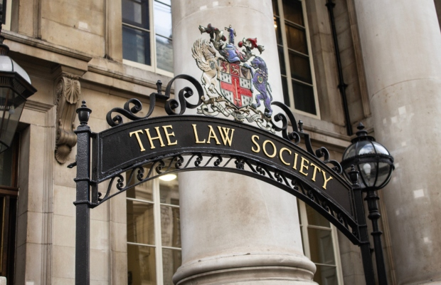 BAME lawyers still struggle to achieve partnership in elite firms, says The Law Society