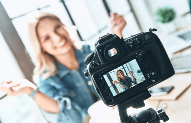 Ad watchdog urges FTC to sanction 'deceptive' influencers