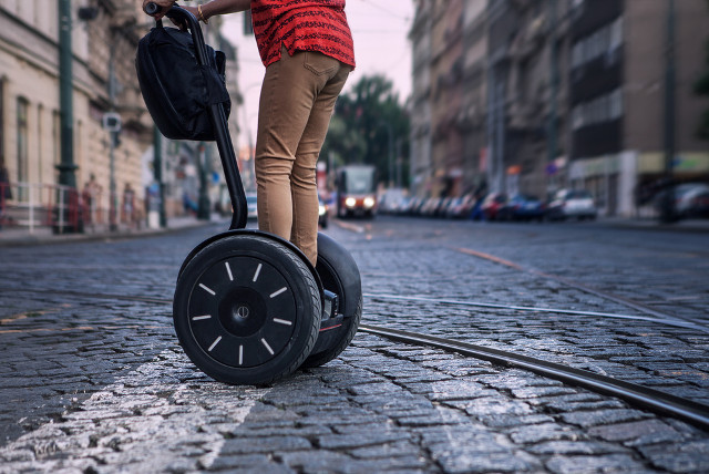 Segway sues rival in patent row