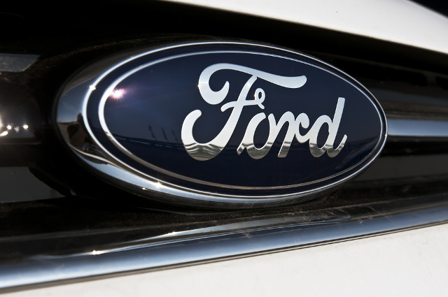 Ford offers electric car patents to competitors