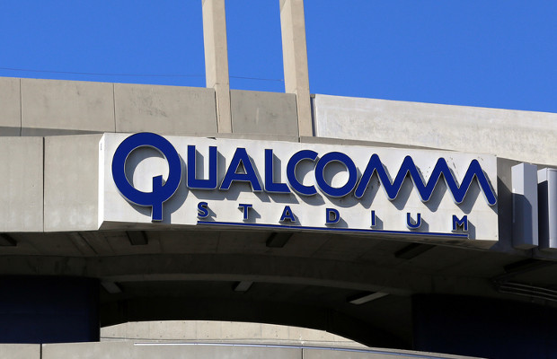 Broadcom offers a record $130 billion to acquire Qualcomm