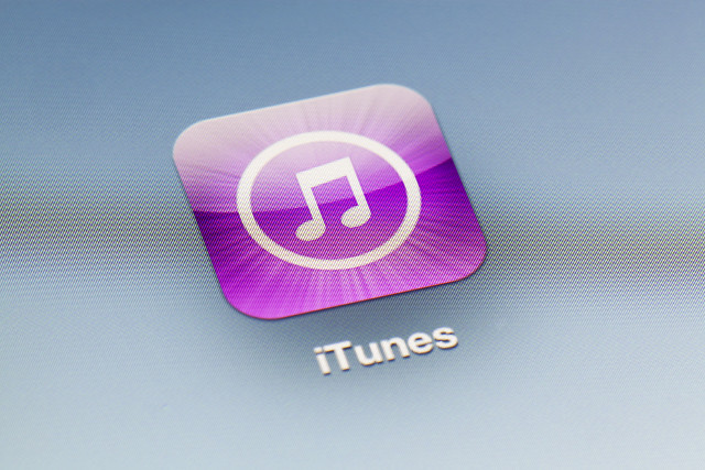 Apple hit with $1.6bn iTunes patent claim